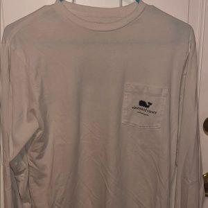 White long sleeved vineyard vines shirt